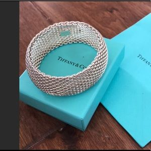 🆕 Tiffany &Co Sumerset mesh bracelet
